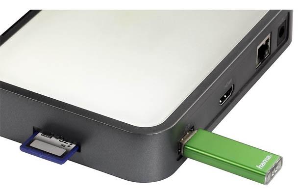 USB- und SDHC-Karten Slots an der Hama Internet TV Box