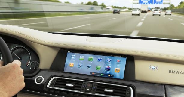 BMW und Telefonice testen schnelles Internet für das Auto