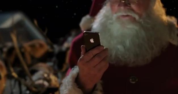 Santa Claus mit Siri auf dem iPhone 4S
